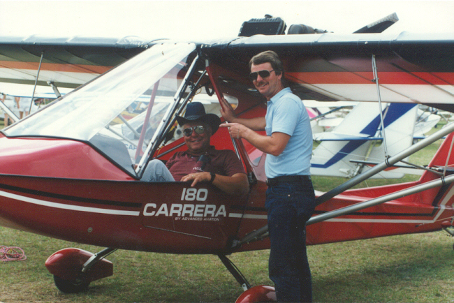 Two Place Ultralight Aircraft http://www.ultralightnews.ca/sails/carrera180.htm